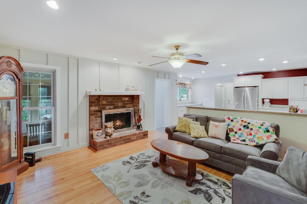 Snee Farm Homes For Sale - 934 Law, Mount Pleasant, SC - 19