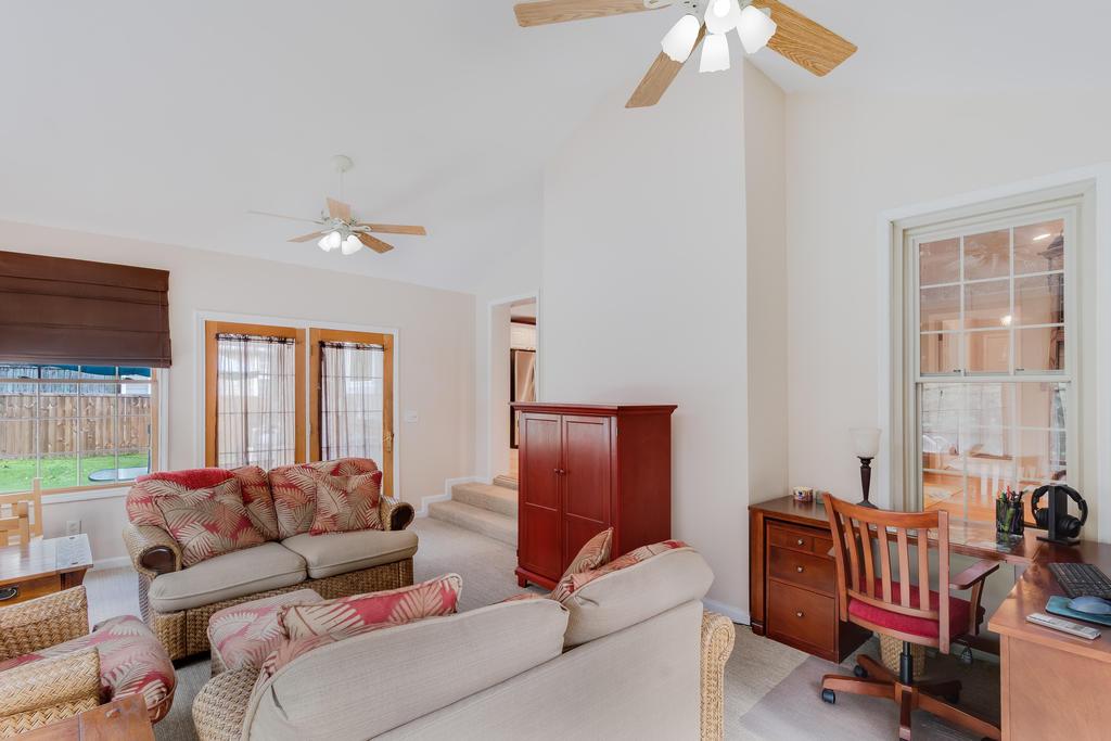 Snee Farm Homes For Sale - 934 Law, Mount Pleasant, SC - 10
