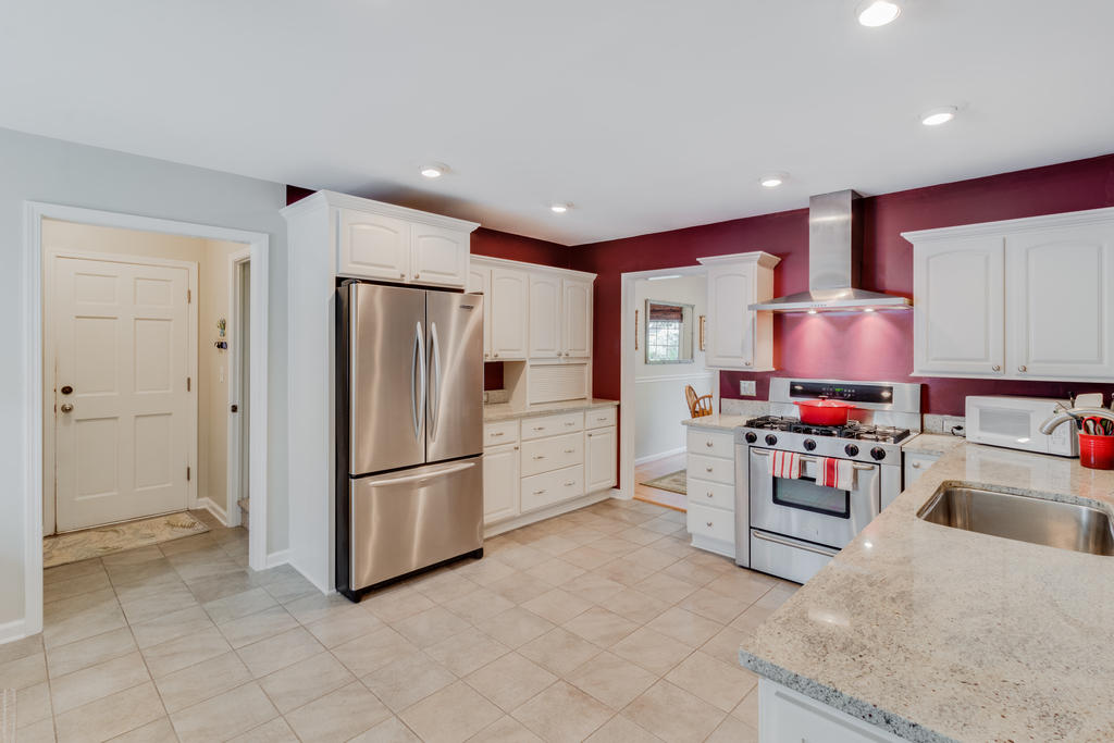 Snee Farm Homes For Sale - 934 Law, Mount Pleasant, SC - 21