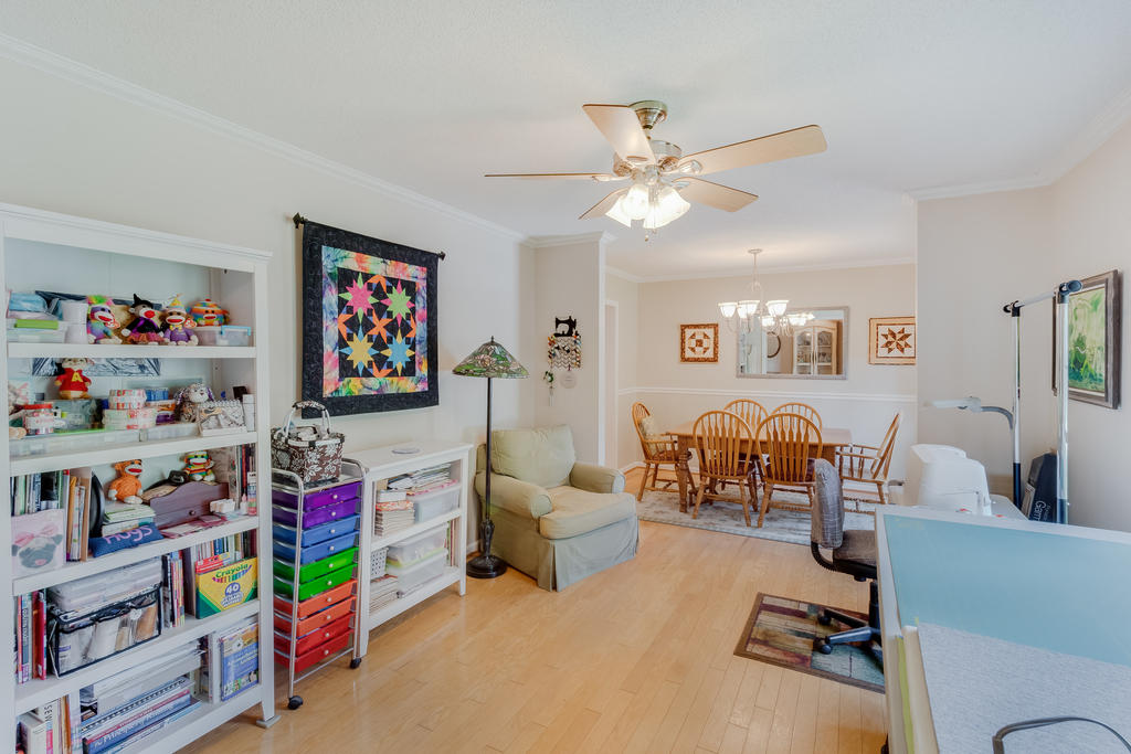 Snee Farm Homes For Sale - 934 Law, Mount Pleasant, SC - 12