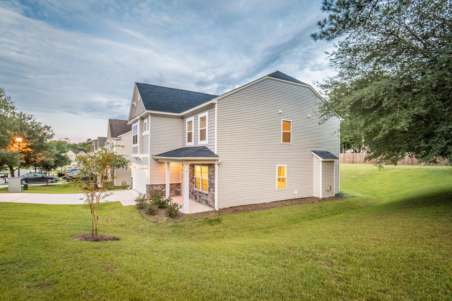 Sunnyfield Homes For Sale - 100 Medford, Summerville, SC - 4
