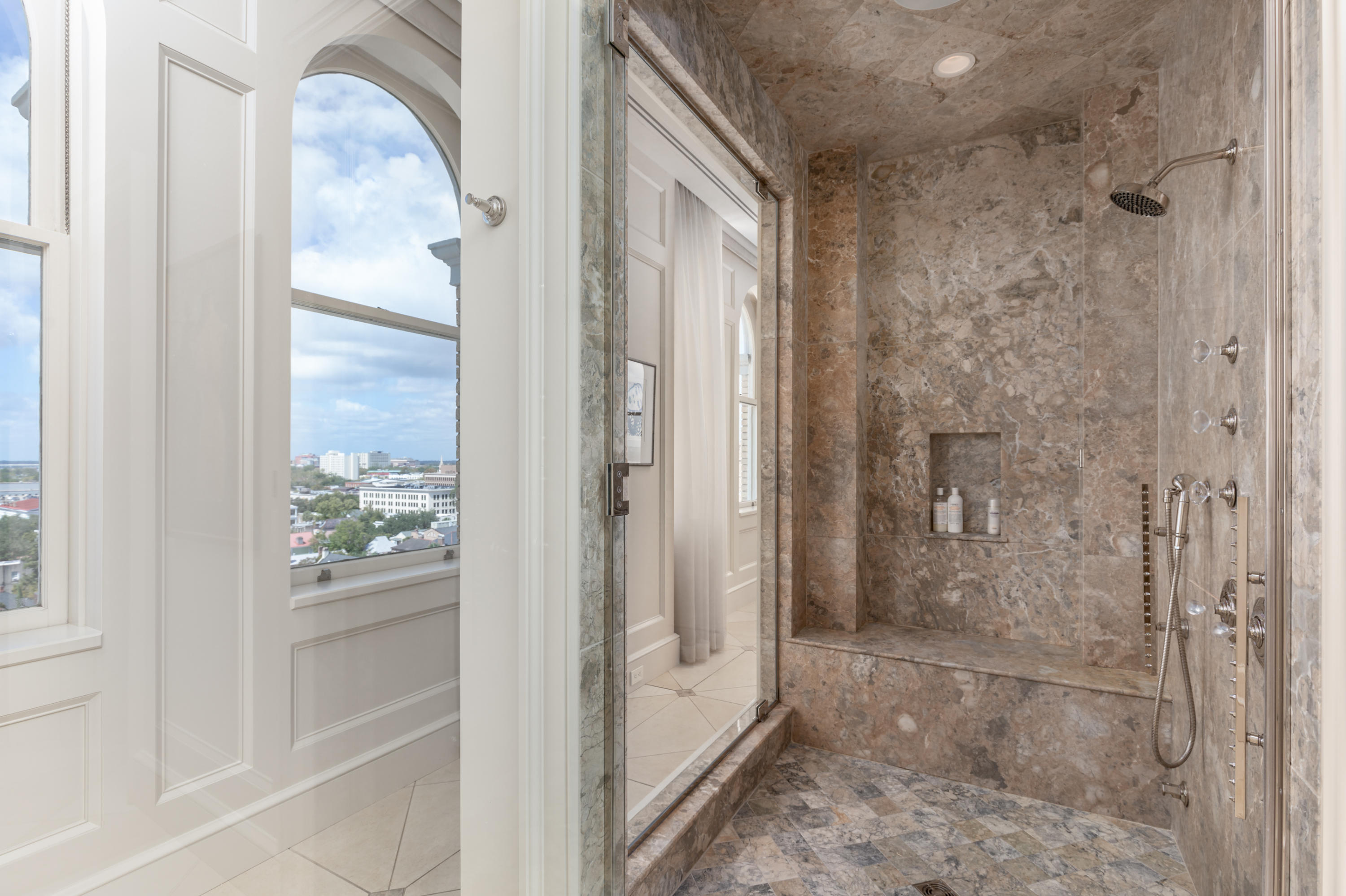 French Quarter Homes For Sale - 18 Broad, Charleston, SC - 9