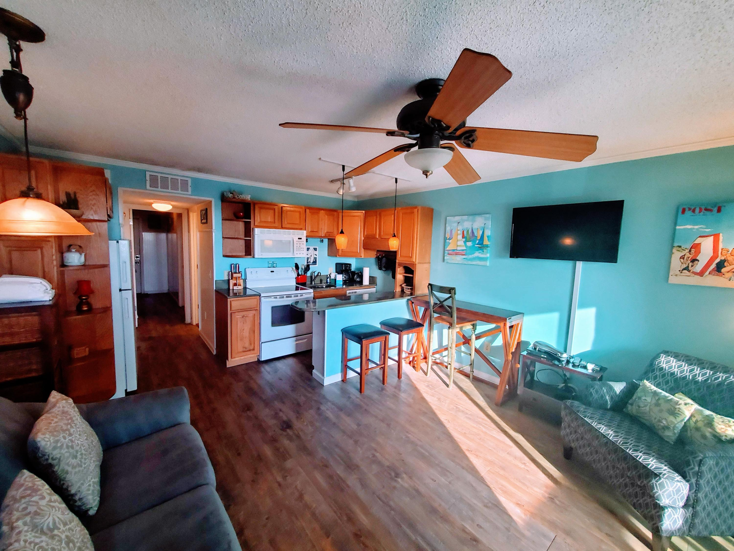 Sea Cabin On The Ocean Homes For Sale - 1300 Ocean, Isle of Palms, SC - 3