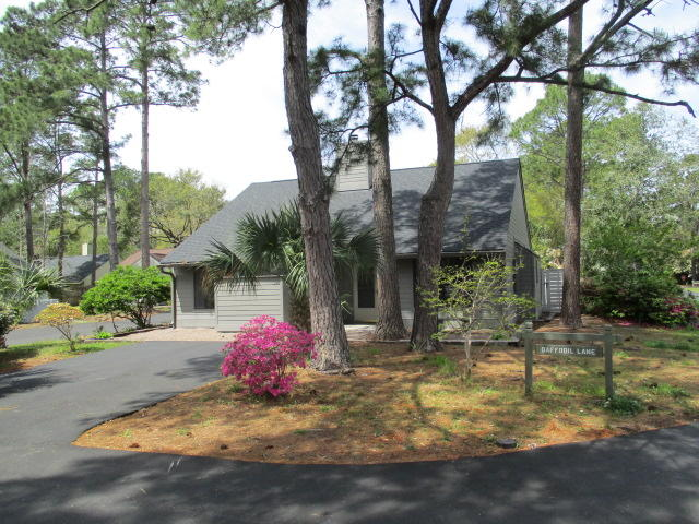 Snee Farm Homes For Sale - 1104 Daffodil, Mount Pleasant, SC - 2