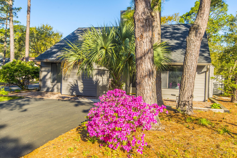 Snee Farm Homes For Sale - 1104 Daffodil, Mount Pleasant, SC - 34