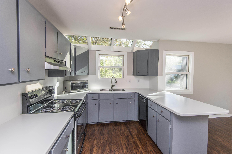Snee Farm Homes For Sale - 1104 Daffodil, Mount Pleasant, SC - 39