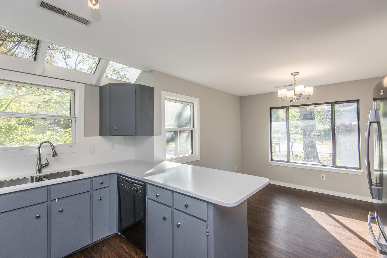 Snee Farm Homes For Sale - 1104 Daffodil, Mount Pleasant, SC - 40
