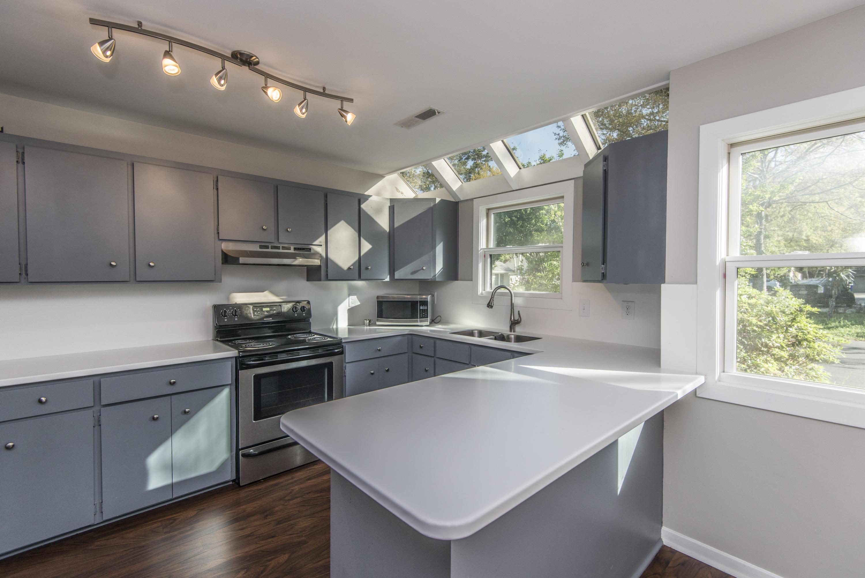 Snee Farm Homes For Sale - 1104 Daffodil, Mount Pleasant, SC - 30