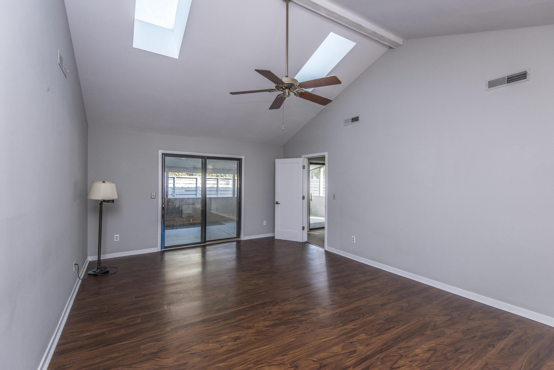 Snee Farm Homes For Sale - 1104 Daffodil, Mount Pleasant, SC - 27