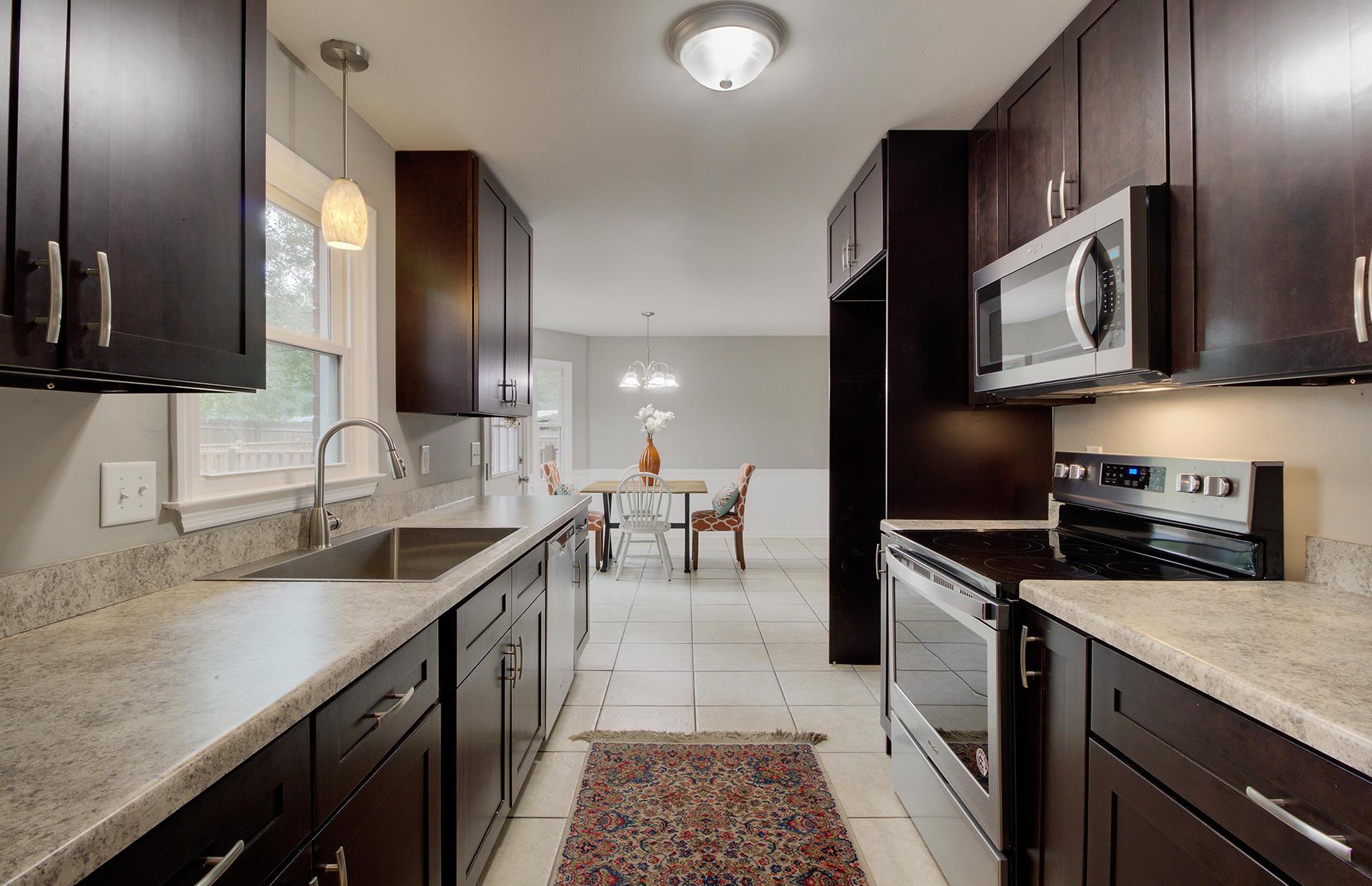 White Church Place Homes For Sale - 208 Glebe, Summerville, SC - 7