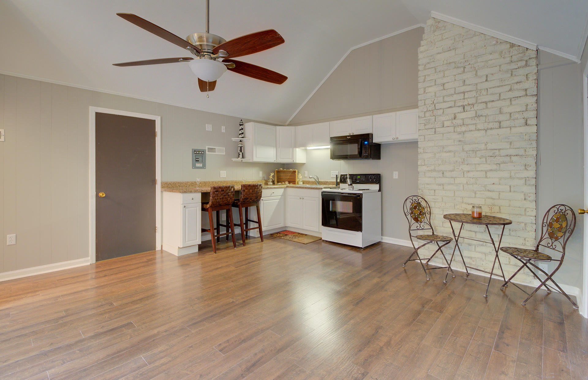 White Church Place Homes For Sale - 208 Glebe, Summerville, SC - 11