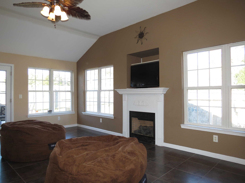 Eagle Cove Homes For Sale - 1354 Belle Grove, Hanahan, SC - 16