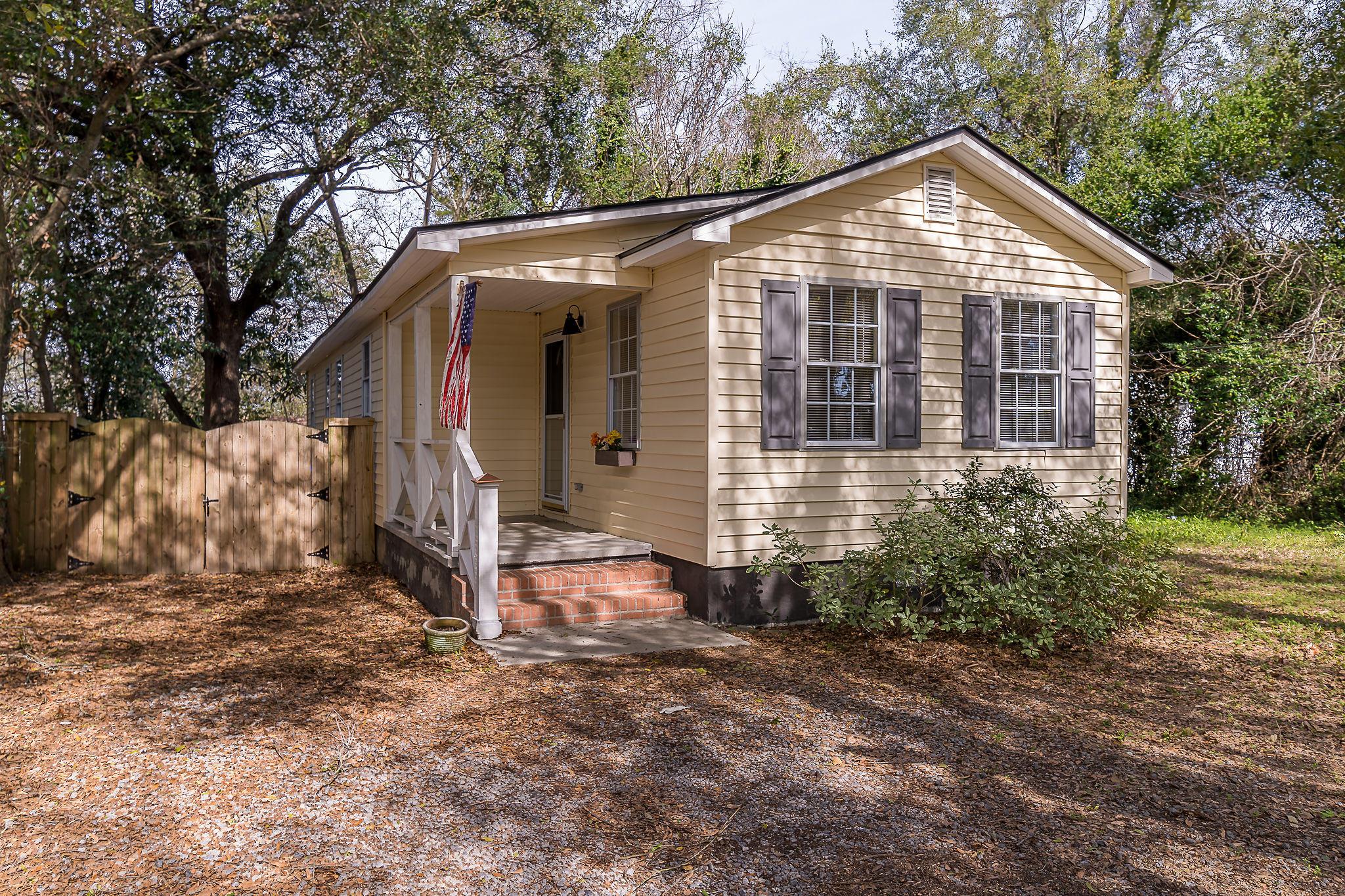 Edgewood Homes For Sale - 4071 Saint Johns, North Charleston, SC - 3