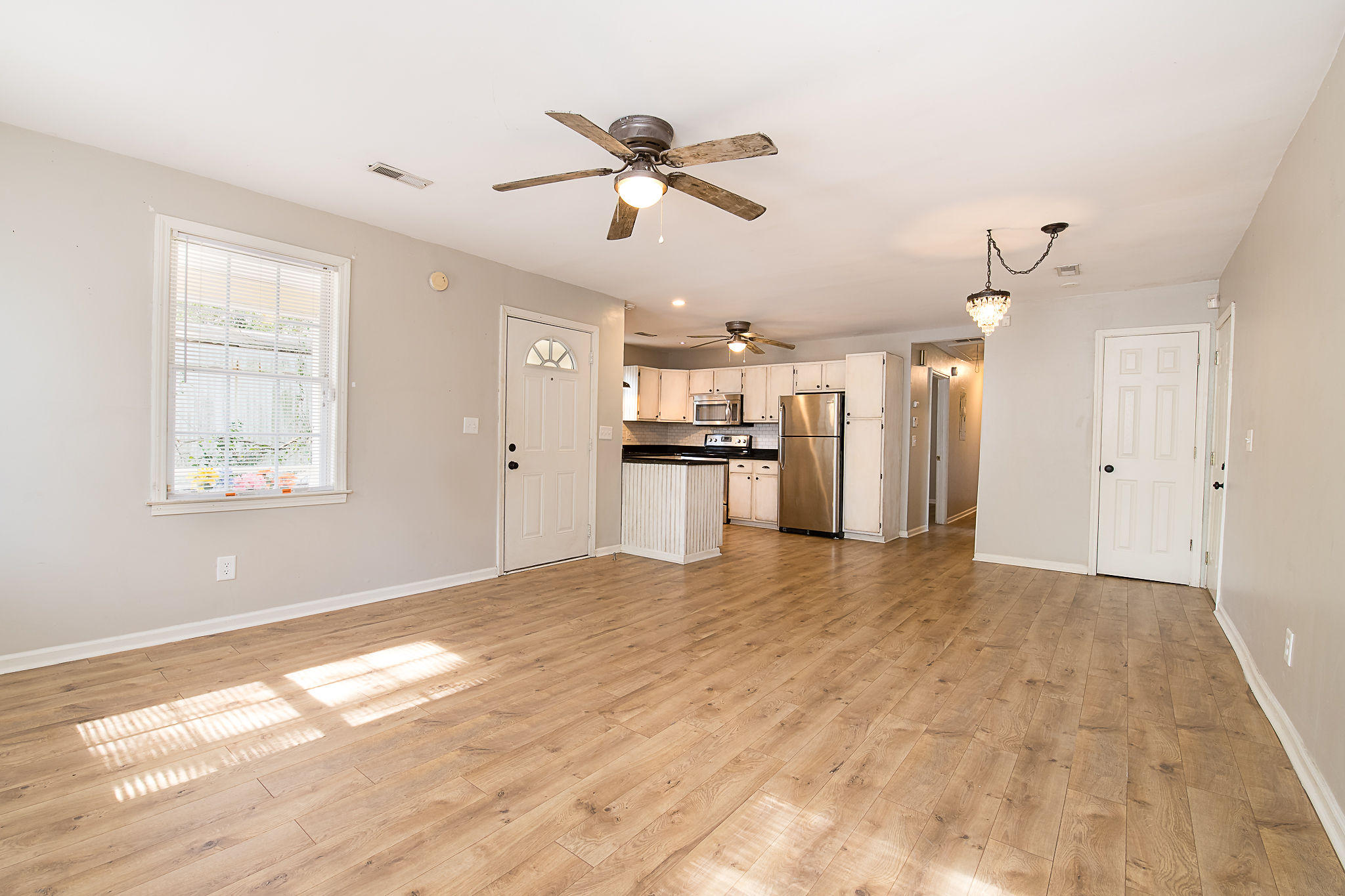 Edgewood Homes For Sale - 4071 Saint Johns, North Charleston, SC - 5