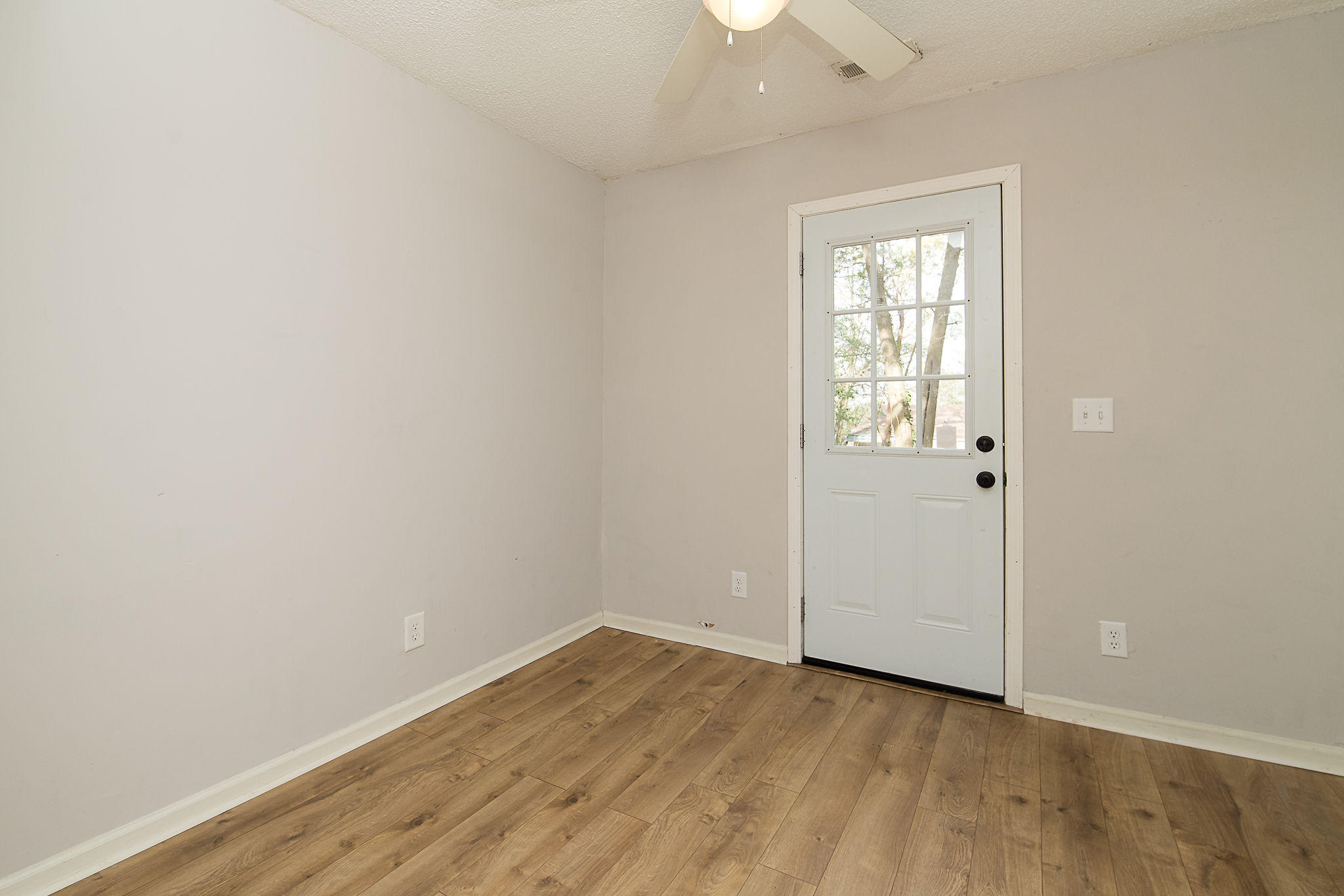 Edgewood Homes For Sale - 4071 Saint Johns, North Charleston, SC - 11
