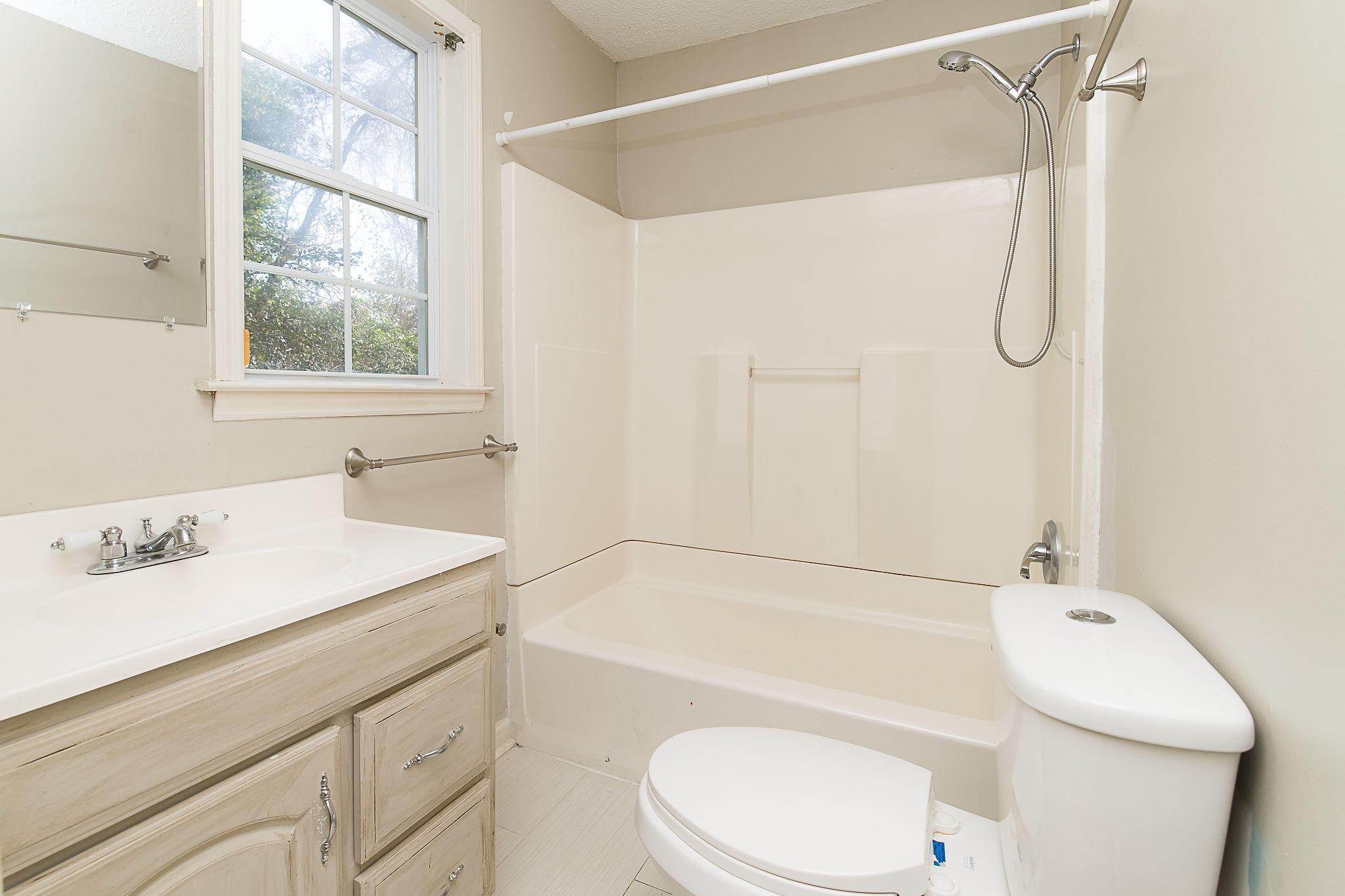 Edgewood Homes For Sale - 4071 Saint Johns, North Charleston, SC - 12