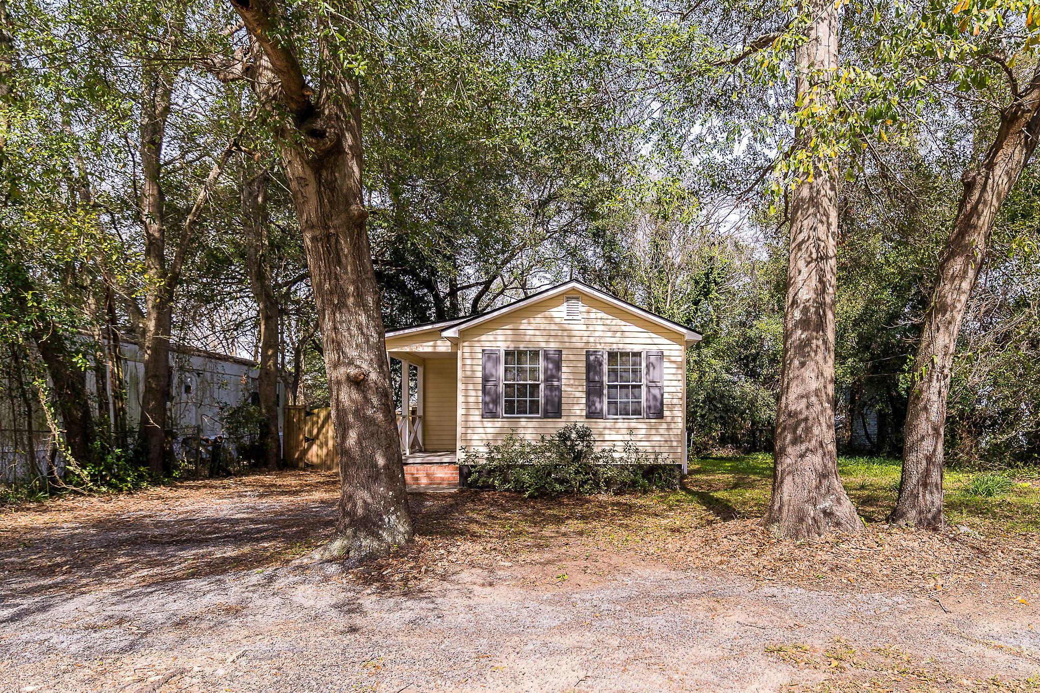 Edgewood Homes For Sale - 4071 Saint Johns, North Charleston, SC - 1