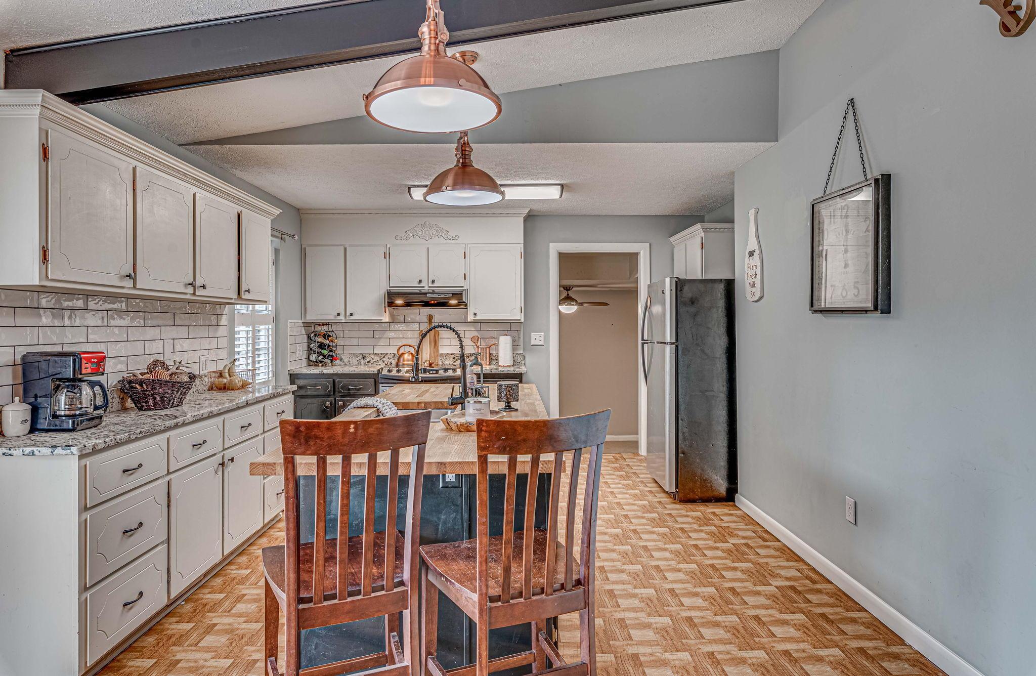Farmington Homes For Sale - 1321 Honeysuckle, Charleston, SC - 18