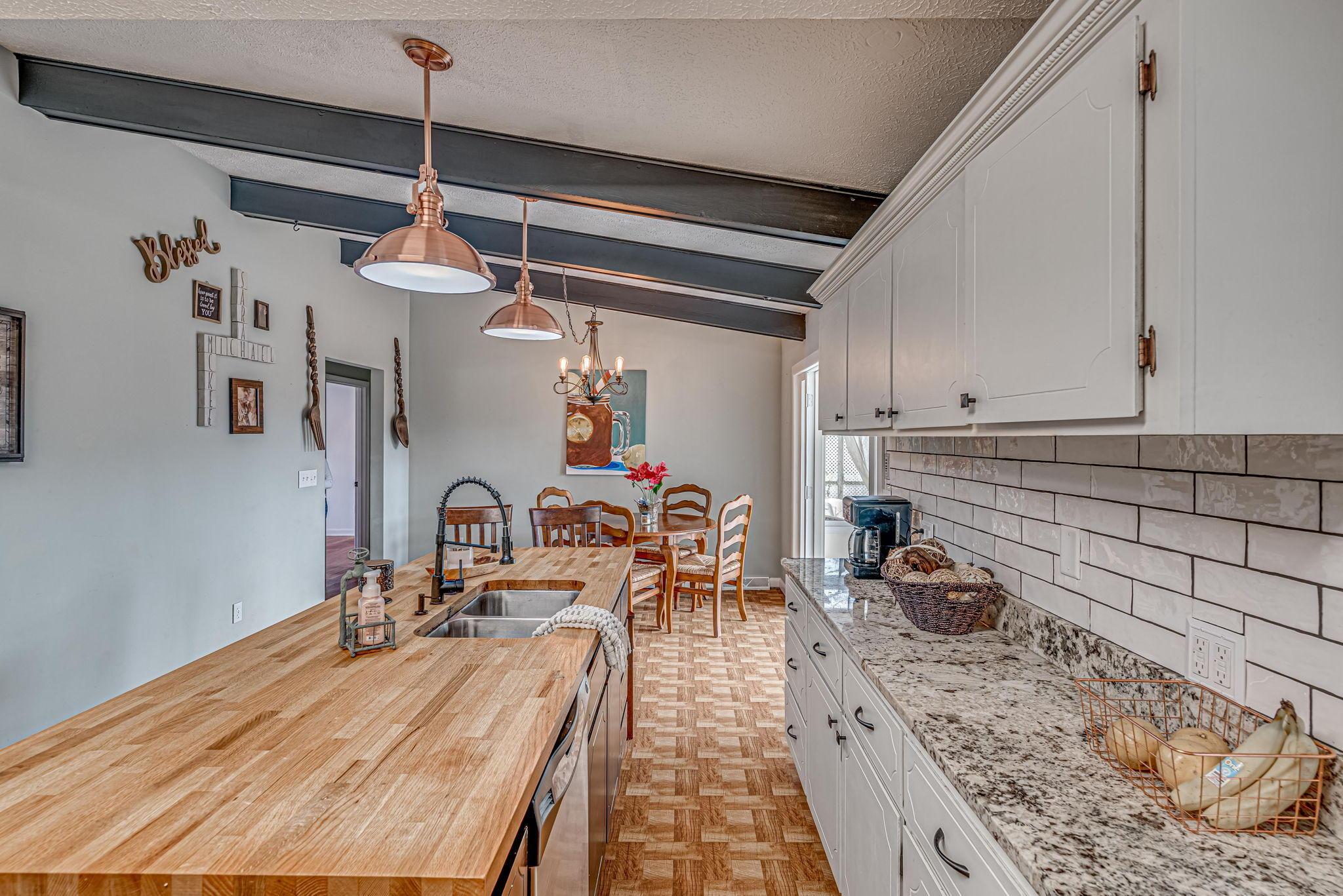 Farmington Homes For Sale - 1321 Honeysuckle, Charleston, SC - 19