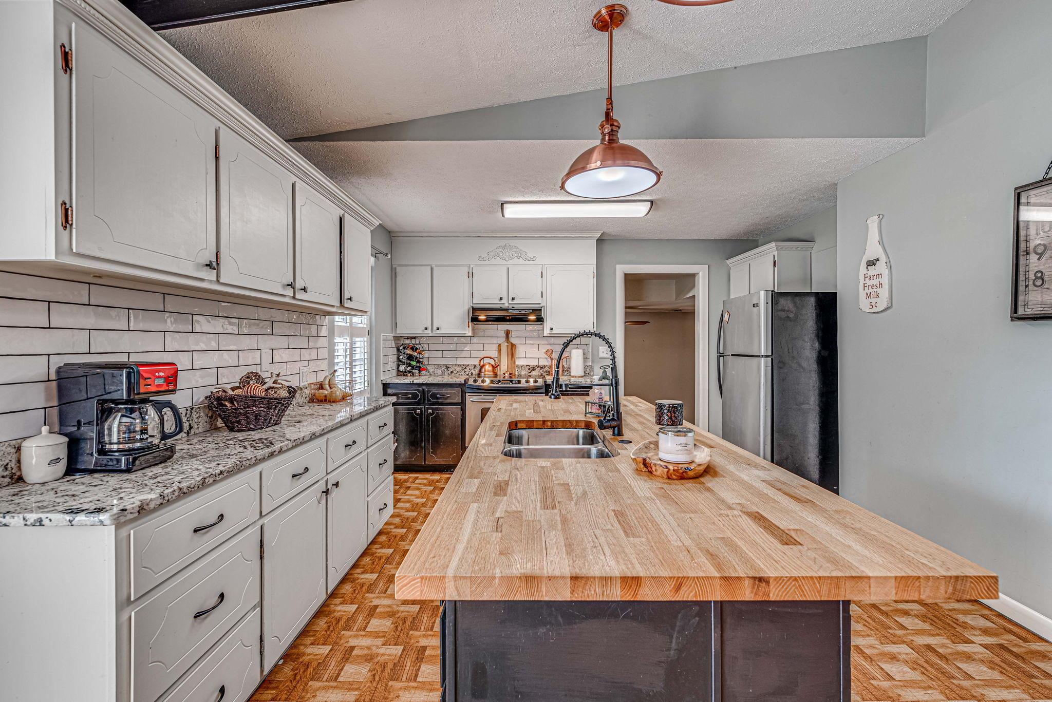 Farmington Homes For Sale - 1321 Honeysuckle, Charleston, SC - 20