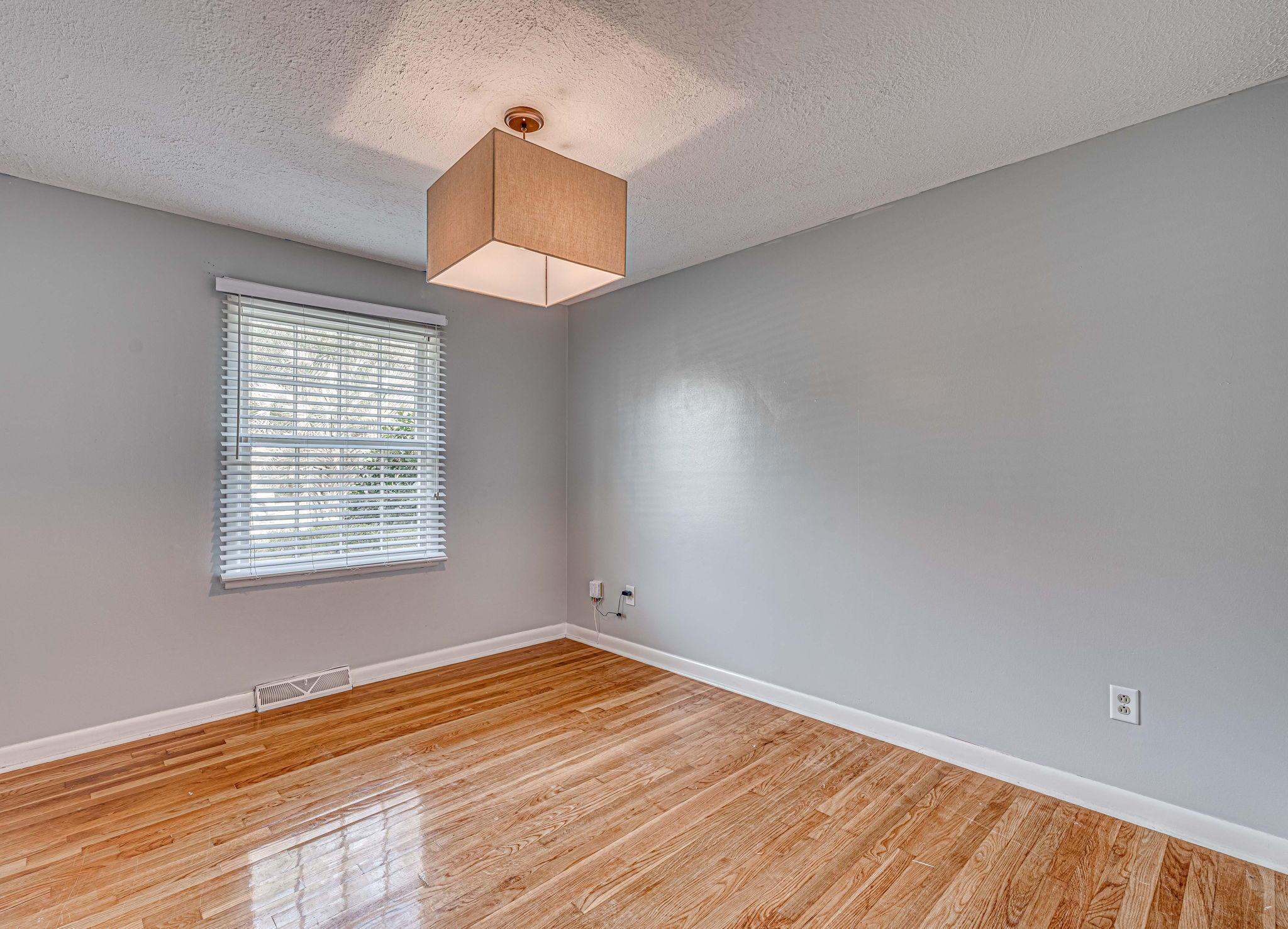 Farmington Homes For Sale - 1321 Honeysuckle, Charleston, SC - 3