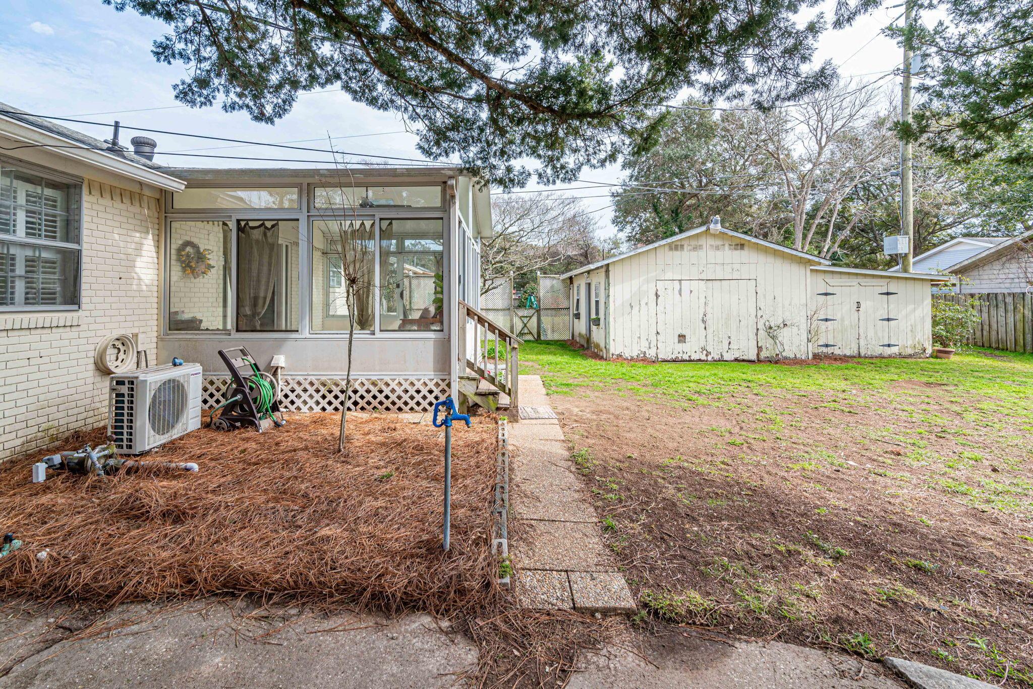 Farmington Homes For Sale - 1321 Honeysuckle, Charleston, SC - 27