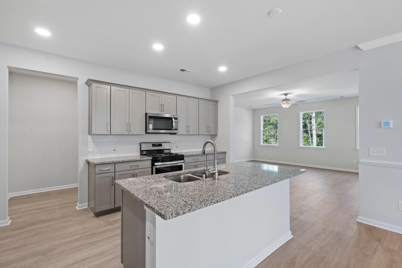 Hampton Woods Homes For Sale - 8 Mcclellan, Summerville, SC - 11