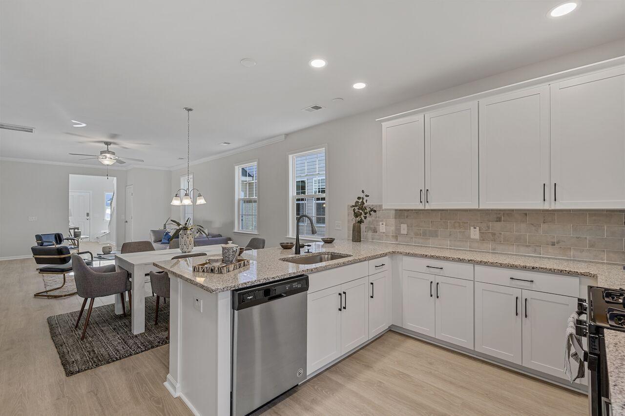Hampton Woods Homes For Sale - 7 Mcclellan, Summerville, SC - 35