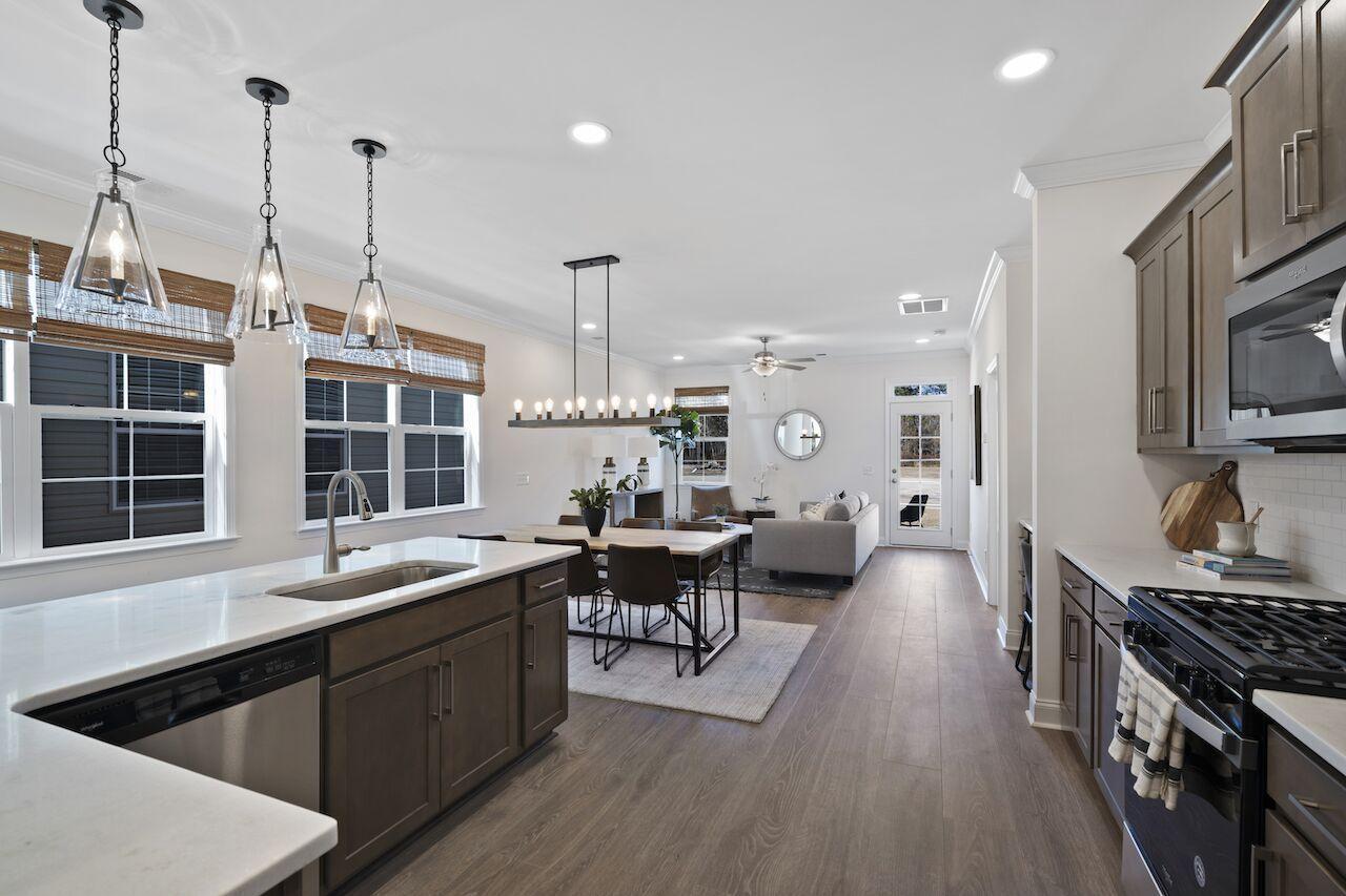 Hampton Woods Homes For Sale - 6 Mcclellan, Summerville, SC - 27