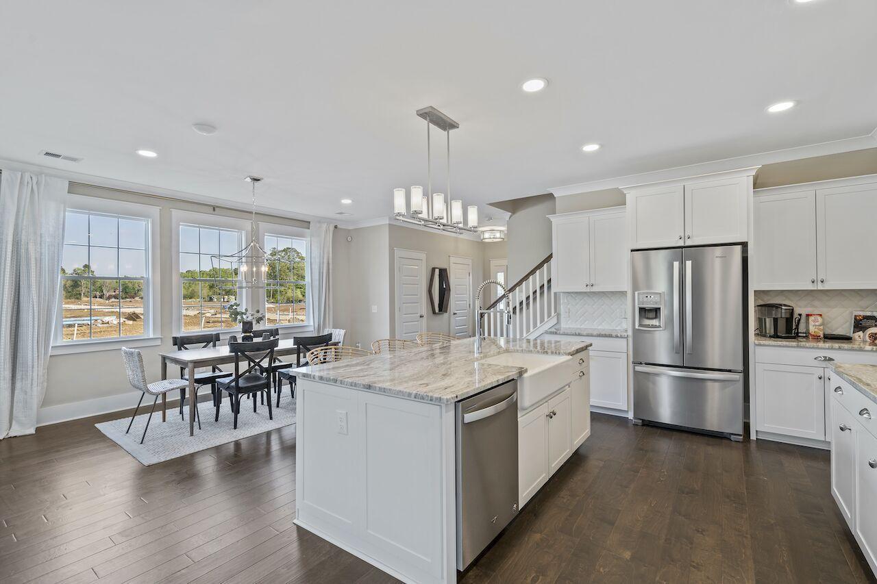 Hampton Woods Homes For Sale - 8 Mcclellan, Summerville, SC - 29