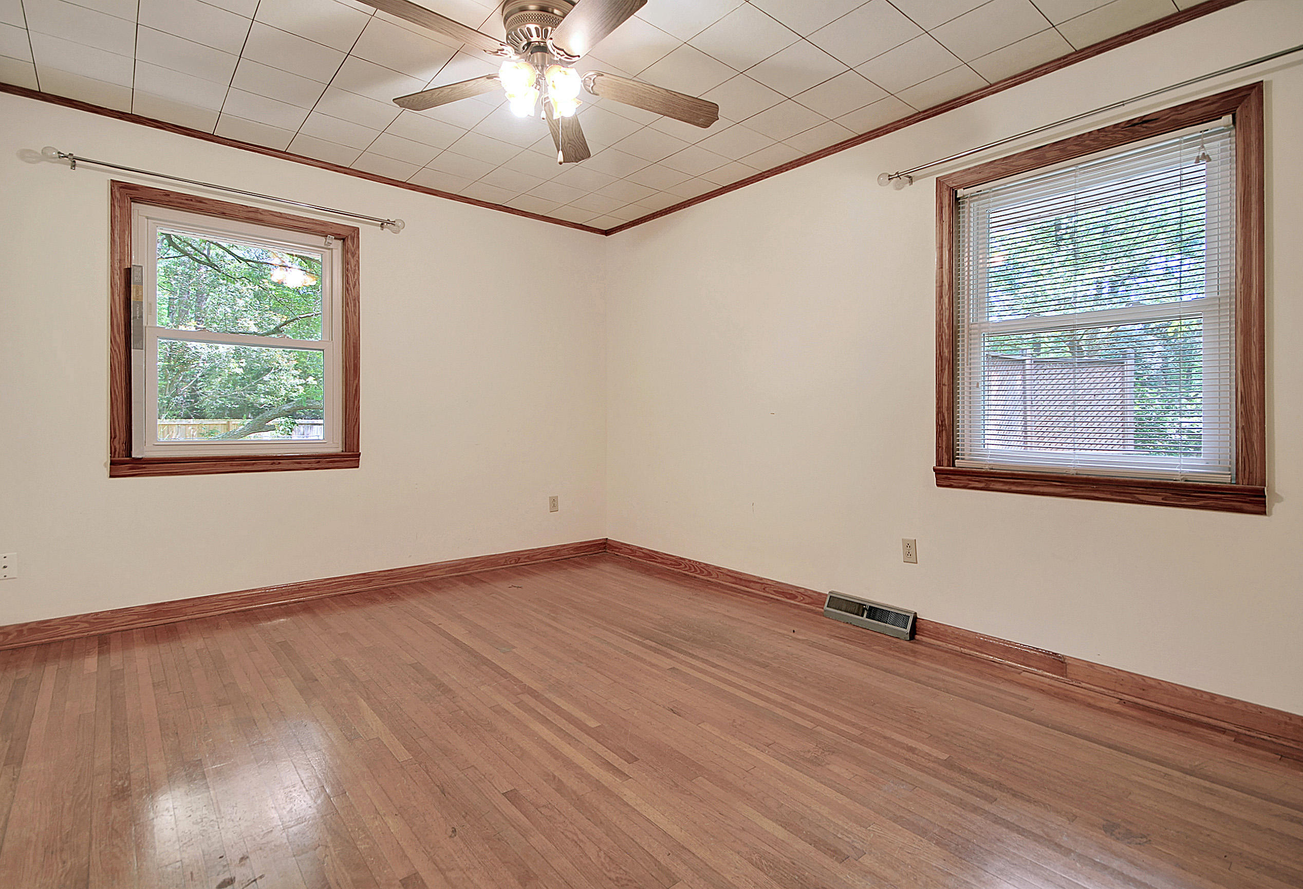 Millwood Homes For Sale - 201 Wilson, Summerville, SC - 16