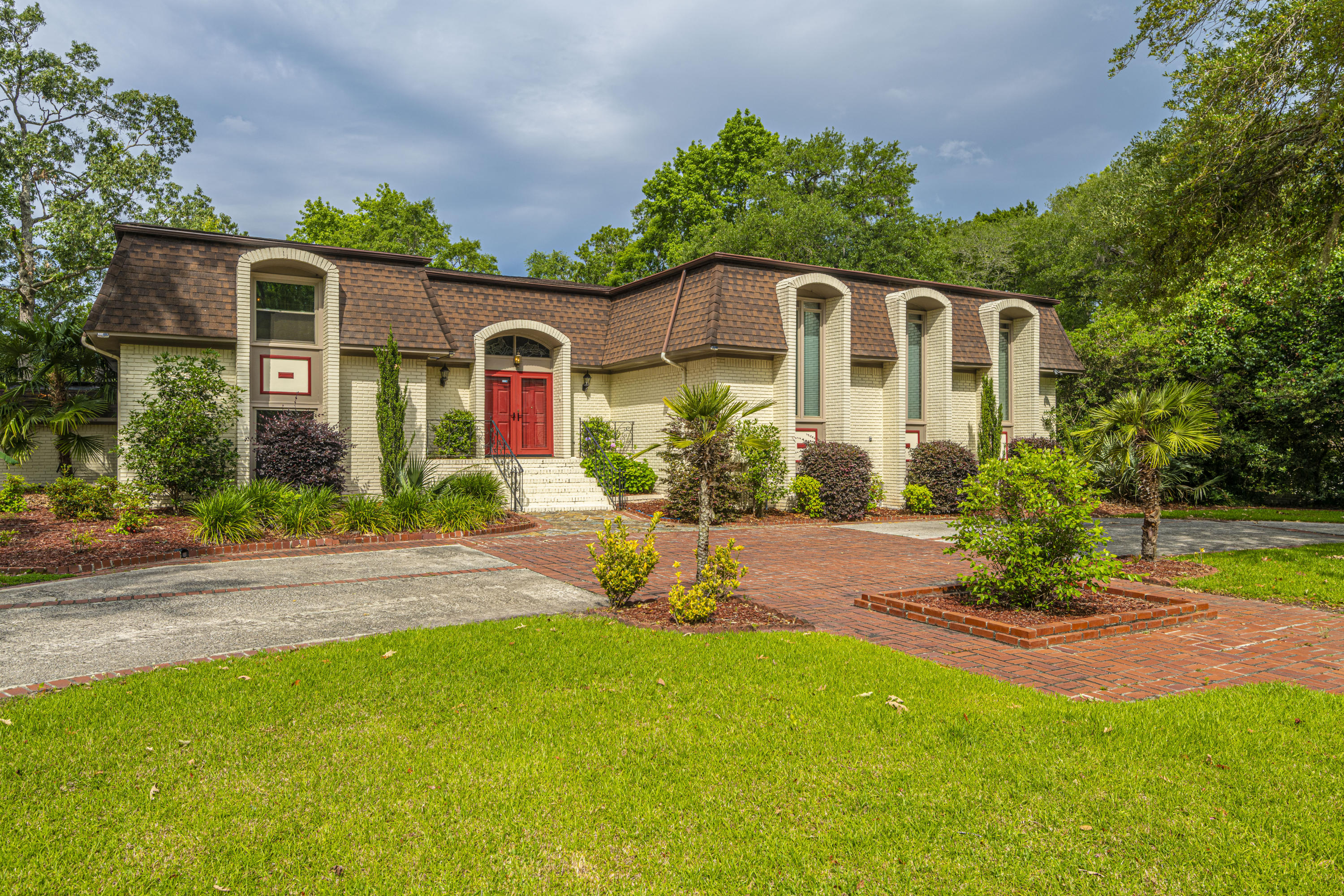 324 Shaftesbury Lane Summerville $789,000.00