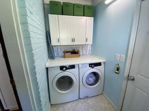 Wagener Terrace Homes For Sale - 927 Rutledge, Charleston, SC - 2