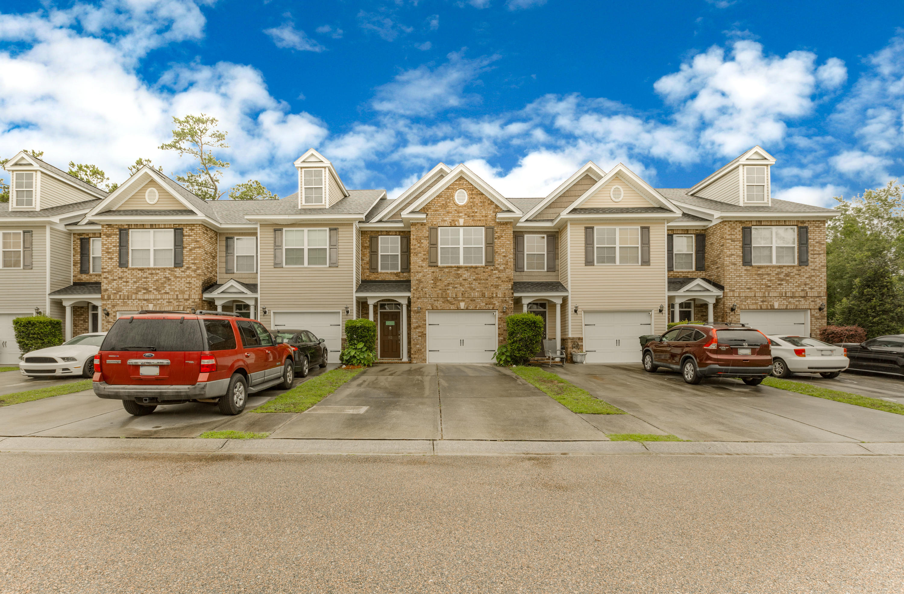 Berkeley Commons Townhomes Homes For Sale - 113 Lamplighter, Summerville, SC - 29