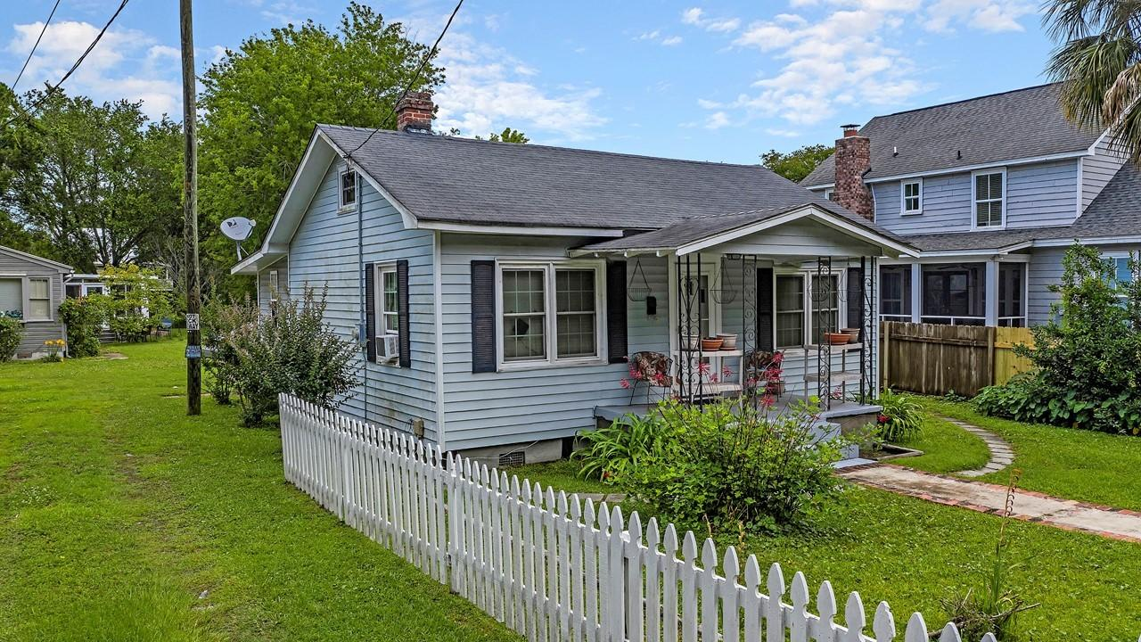 Old Village Homes For Sale - 926 Pitt, Mount Pleasant, SC - 17