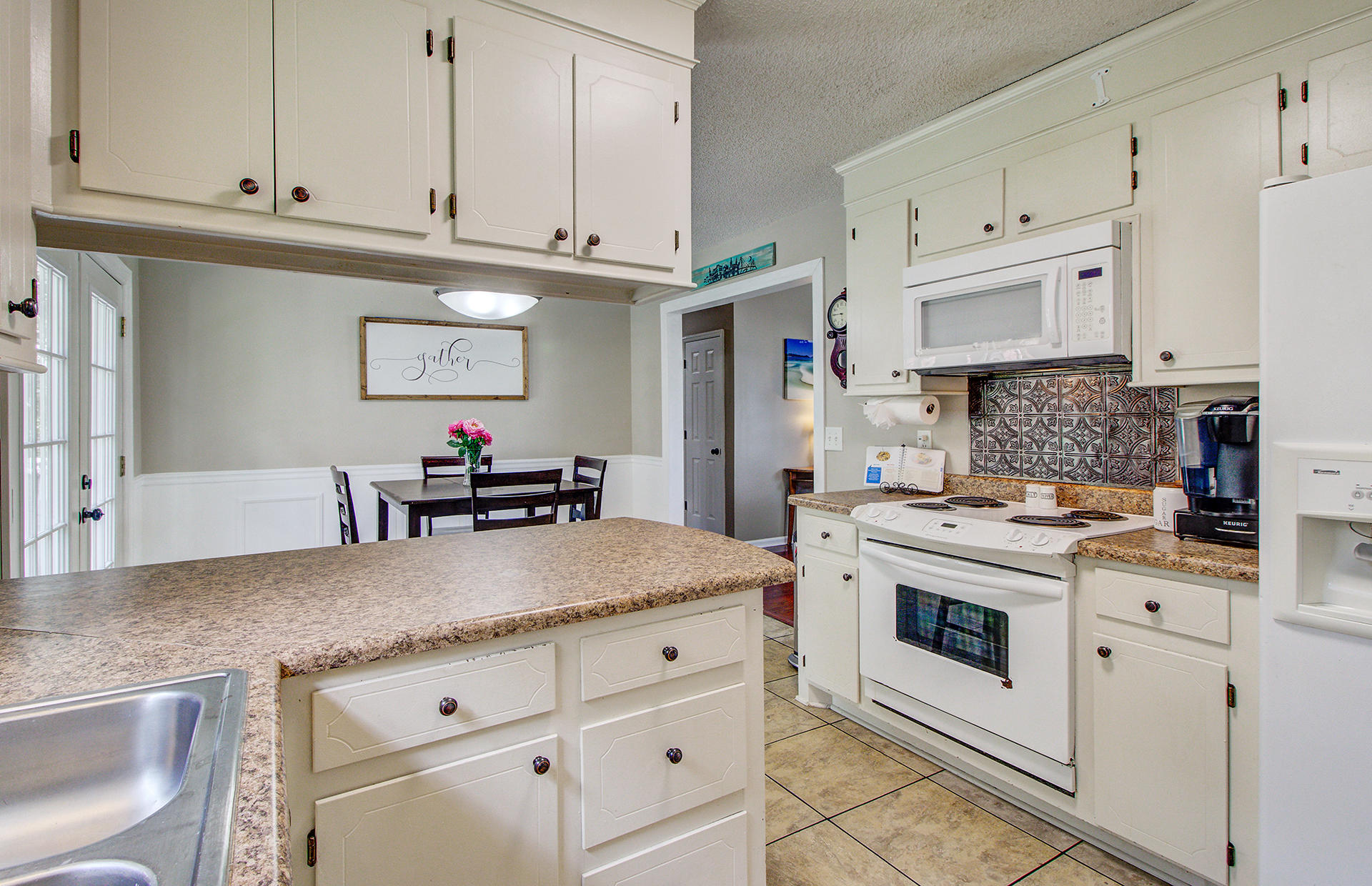 Reindeer Woods Homes For Sale - 2760 Donner, North Charleston, SC - 23