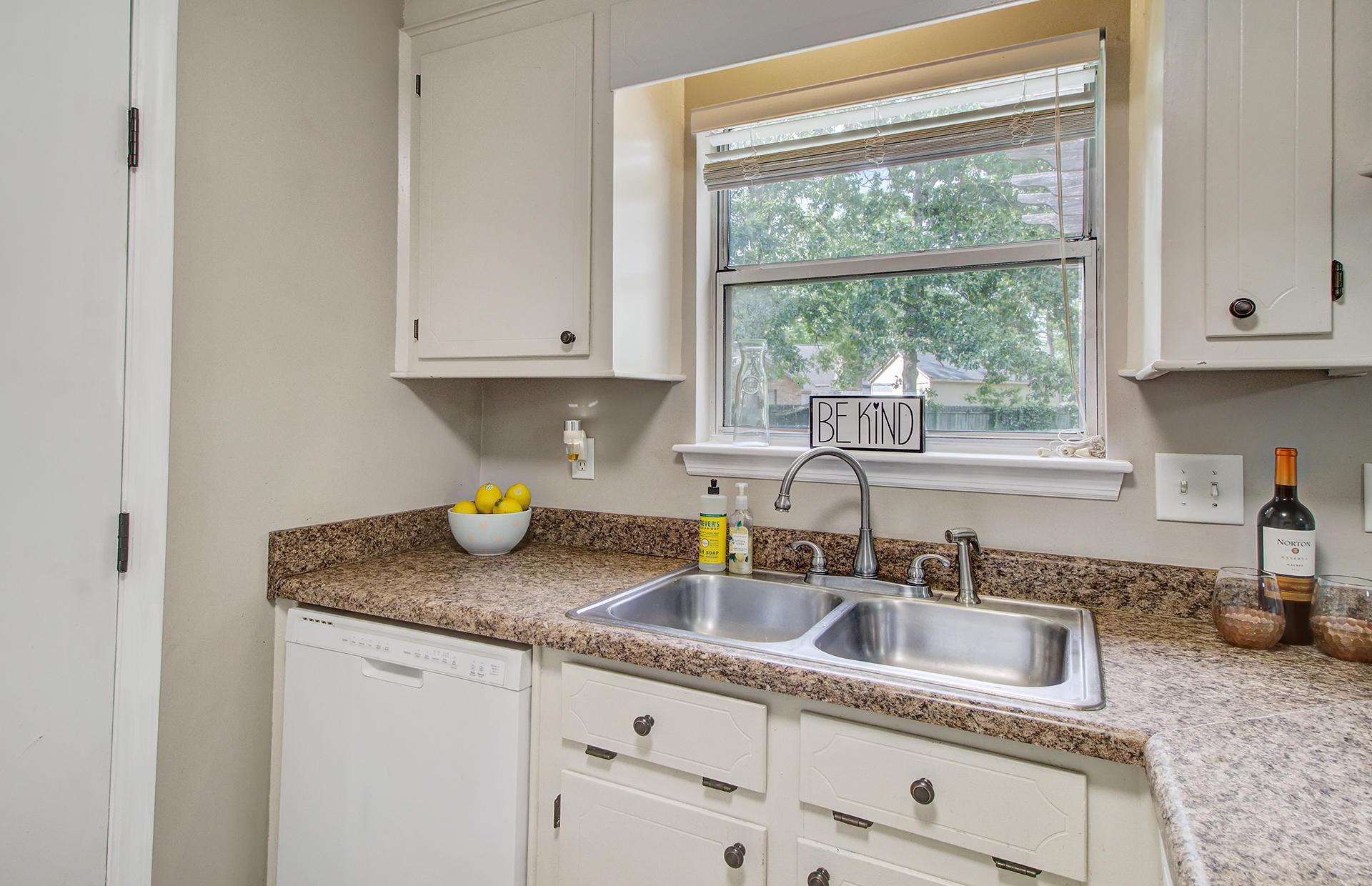 Reindeer Woods Homes For Sale - 2760 Donner, North Charleston, SC - 24