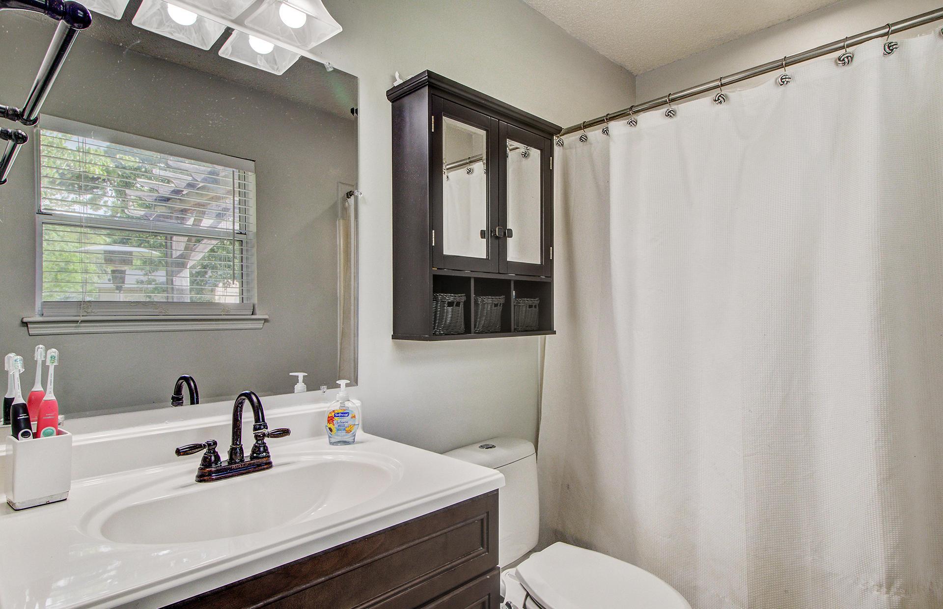Reindeer Woods Homes For Sale - 2760 Donner, North Charleston, SC - 27