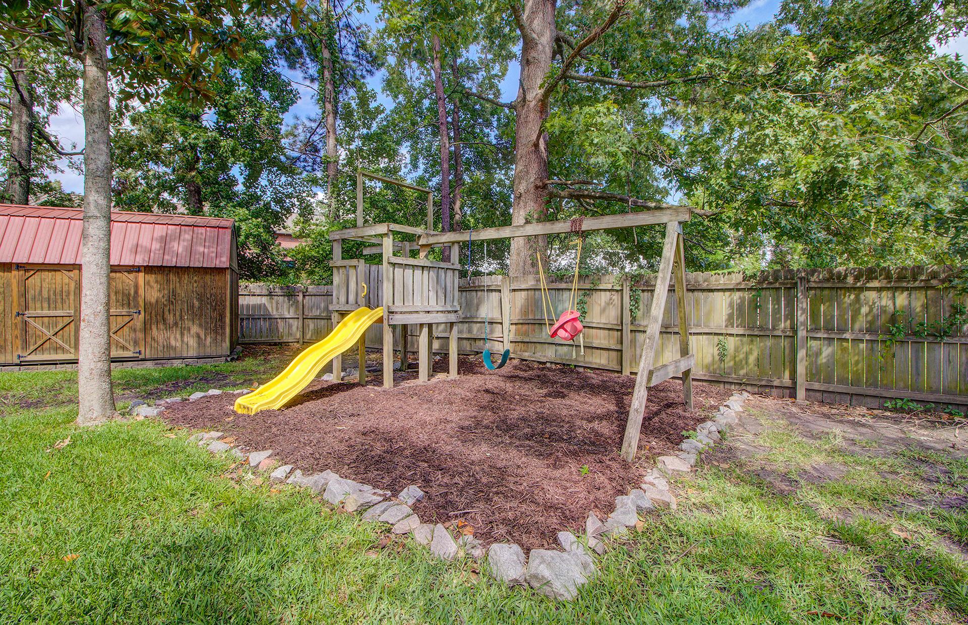 Reindeer Woods Homes For Sale - 2760 Donner, North Charleston, SC - 8