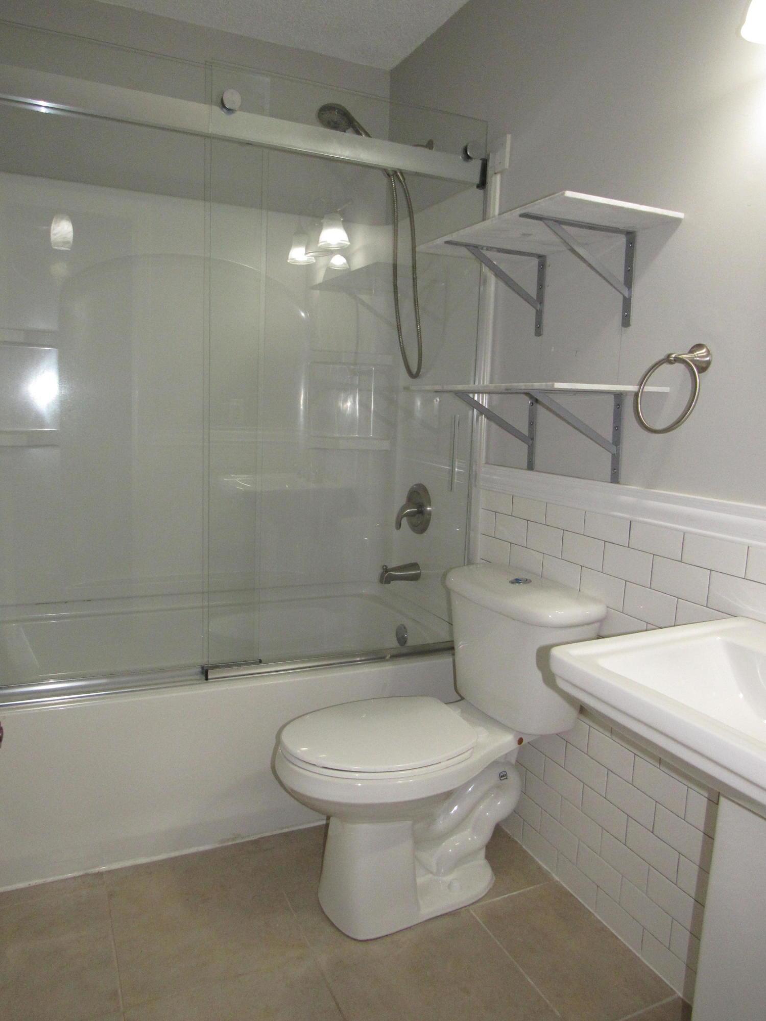 Ashborough Homes For Sale - 107 Tryon, Summerville, SC - 19