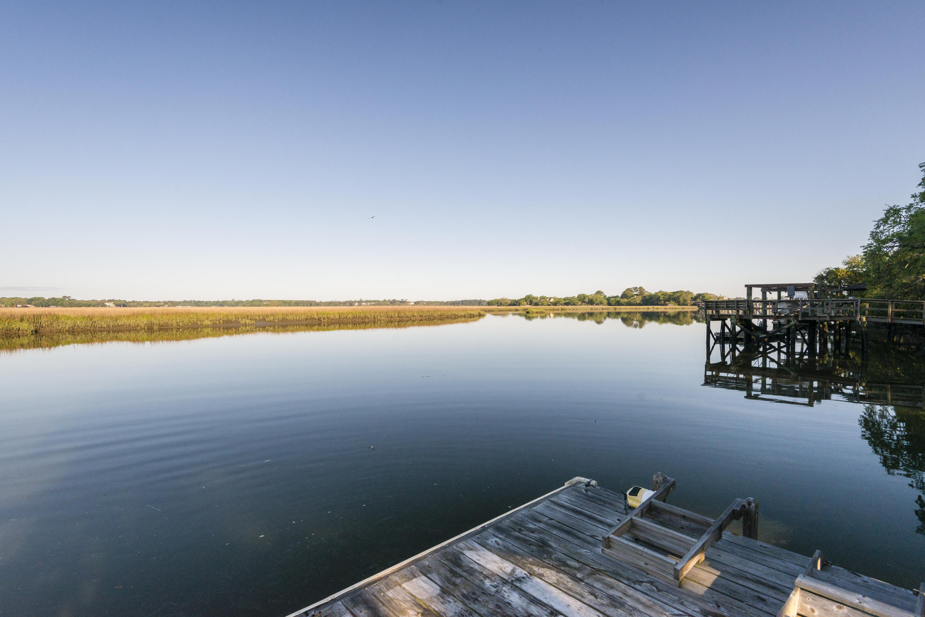 Photo of 685 N Shore Dr, Charleston, SC 29412
