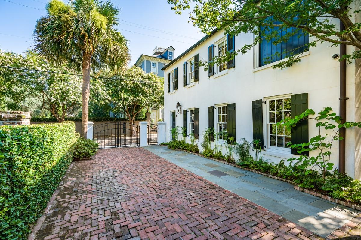 South of Broad Homes For Sale - 107 Tradd, Charleston, SC - 56