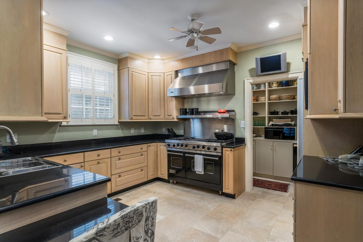 South of Broad Homes For Sale - 107 Tradd, Charleston, SC - 45