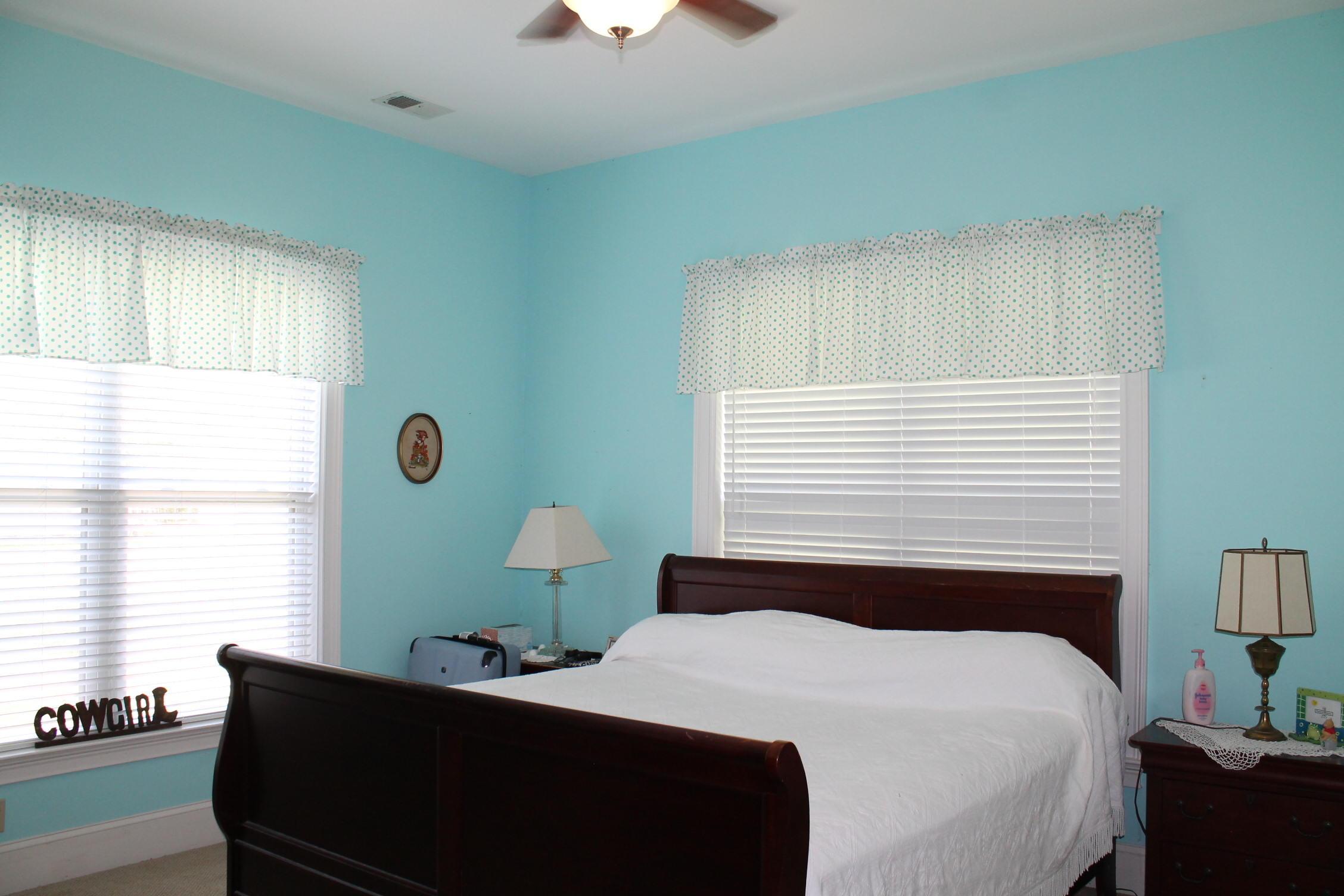 Summerset Acres Homes For Sale - 2108 Heavens, Summerville, SC - 29