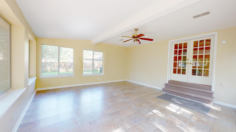 Evergreen Homes For Sale - 102 Mayfair, Summerville, SC - 15