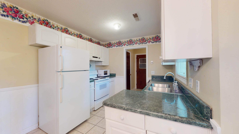 Evergreen Homes For Sale - 102 Mayfair, Summerville, SC - 18
