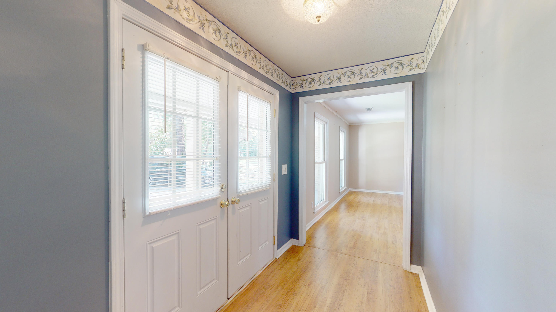 Evergreen Homes For Sale - 102 Mayfair, Summerville, SC - 5