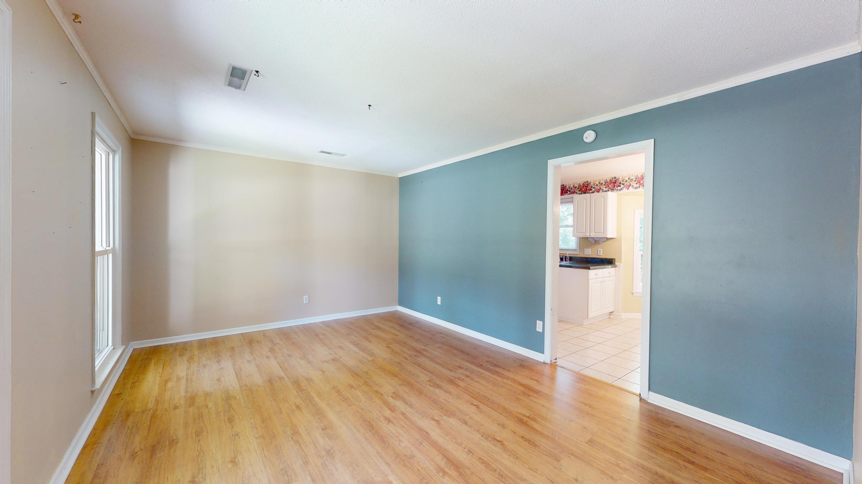 Evergreen Homes For Sale - 102 Mayfair, Summerville, SC - 20