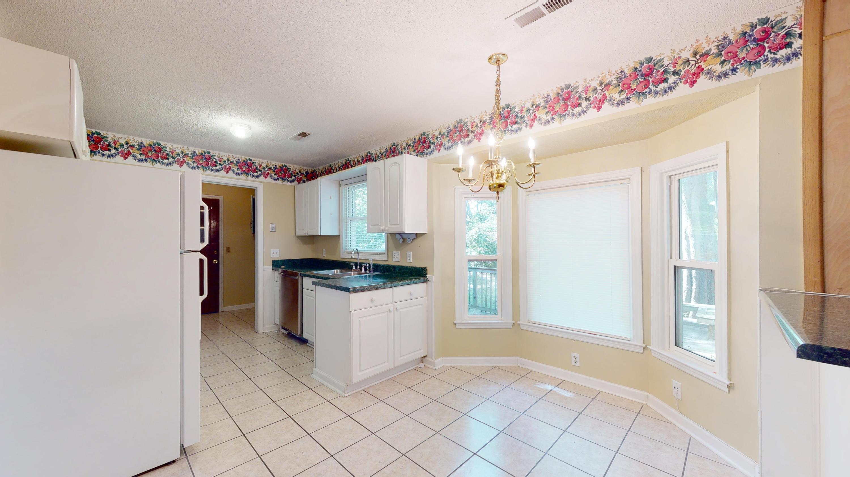Evergreen Homes For Sale - 102 Mayfair, Summerville, SC - 14