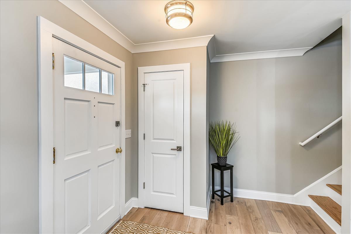 Myrtle Acres Homes For Sale - 955 Myrtle, Mount Pleasant, SC - 10